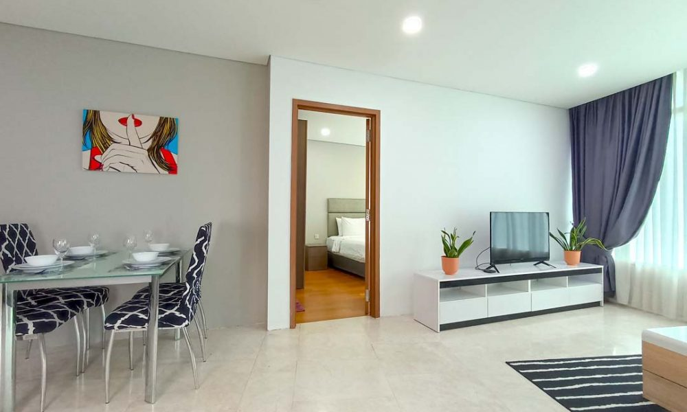 Two-Bedroom Apartment on 15th Floor